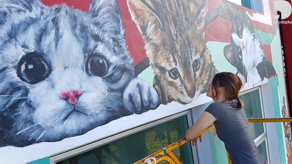 Artsy Daphy posing with Large 3D Animal Kittens Mural Sarawak